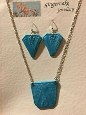 ART DECO STYLE NECKLACE AND EARRINGS SET FLOWER & CHEVRON  PEARLY TURQUOISE
