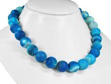 Wunderschöne Edelsteinkette aus blaufarbenem Crack-Achat in Kugelform Ø-16 mm