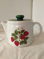 Vintage Nelson McCoy Pottery STRAWBERRY COUNTRY 6 cup Teapot   1418