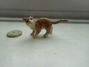 CAT - BEAUTIFUL MINIATURE POTTERY GINGER TABBY & WHITE - STANDING CAT