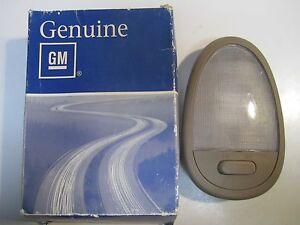 2004-2007 Chevrolet Optra Interior Dome Light Assembly Tan NOS 96440834