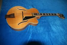 Beautiful unmarked Peerless New York guitar in Mint condition with Peerless case
