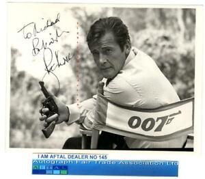 Sir Roger Moore vintage signed Photograph AFTAL#145