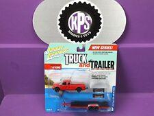 Johnny Lightning Truck & Trailer 1:64 2004 Ford F-250 W/ Car Trailer Version B
