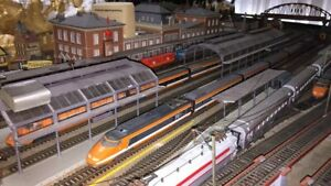 Train Layout Complete Peco Full Operation. 2.4 x 4.8m