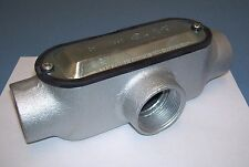 """(1) Crouse Hinds 1-1/2"""" Conduit Outlet Type T w/Cover & Gasket T150M Cg Form 5"""