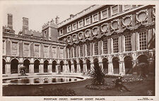 Fountain Court, HAMPTON COURT PALACE, Middlesex RP
