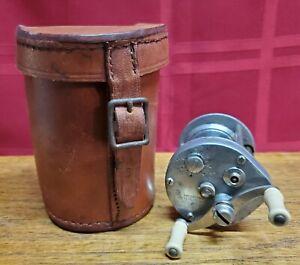 Vintage PFLUEGER SUPREME 1573 Casting Reel Single Patent Date 1923 Leather Case