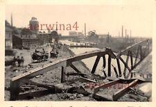 Vormarsch deutsche Soldaten über Notbrücke in Belgien