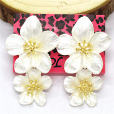 New Betsey Johnson White Lovely Alloy Large Flower Crystal Women Stand Earrings