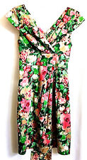 True Vintage 70s Floral Fitted Dress Sundress XS ? Empire Waist V Neck Green Red