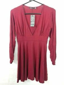 Boohoo Petite Cranberry Red Plunge Skater Dress size 10