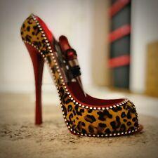 Funky Wine Bottle Holder + Matching Stopper Gift - Leopard Print High Heel Shoe