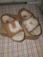 Toddler ugg fluffy slippers size 9