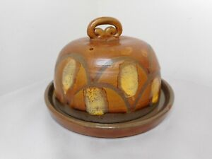 AUSTRALIAN POTTERY BY JUNE DYSON DECORATED LIDDED CHEESE DISH