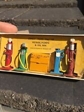 Dinky Toys 49 Petrol Pumps Oil Bin Pompes A Essence Vintage