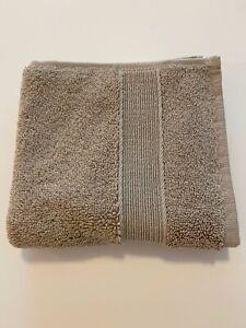 NWT Pottery Barn PB CLASSIC WASHCLOTH Simply Taupe Wash Cloth