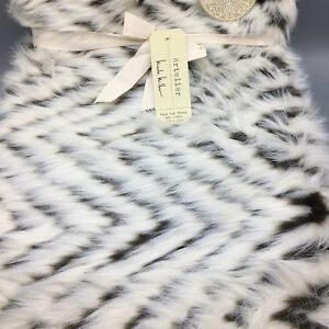 Nicole Miller Artelier Faux Fur Throw Blanket Cream Brown Chevron Luxury 50x60