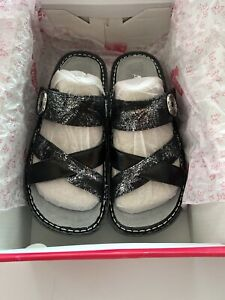 Alegria Womens Victoriah Pretty Patina Sandals Size 6 M US. Brand New In Box