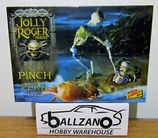 LINDBERG 612 JOLLY ROGER SERIES: In The Pinch Of Peril Skeleton diorama  1/12