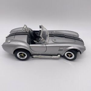 Road Signature 1964 Shelby Cobra 427 S/C Roadster 1:18 Diecast Car Silver