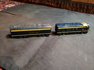 Vintage Blue Tyco Mantua Santa Fe 4015 Diesel Locomotive Train HO And Dummy