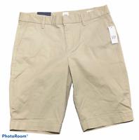 Woman's GAP Bermuda Short Khaki Shorts Bottoms Mid-Rise Size 4 NWT