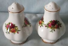 Royal Albert Old Country Roses Salt & Pepper 5/9 holes England