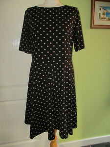 WALLIS SIZE 16 WOMENS BLACK SPOTTED STRETCHY DRESS FIT & FLARE