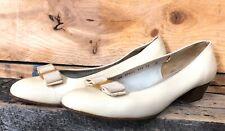 Salvatore Ferragamo Boutique Vara Bow Pump Beige Leather Size 10 C