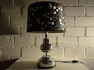 70er Jahre - Chromfuss Tischlampe