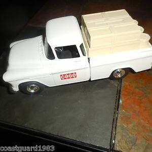 Ertl 1955 CAMEO Pickup Truck Bank Diecast 1/25 Scale Case White