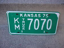 VINTAGE 1975 KANSAS KM 7070 TRUCK  LICENSE PLATE  EXCELLENT CONDITION