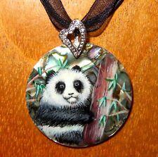 Lindo Panda Colgante Pequeño Oso & Bambú Concha Abalon Pintado a Mano