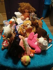 Lot Of 18 TY Beanie Babies