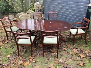 Vintage Meredew mahogany extending dining table & six chairs 2 Carvers #L