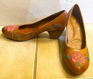 Spring Step Womens Shoe 38 US 7 Brown Primrose LEATHER HEELS Embroidered Rose🌹
