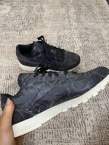 Reebok Women's Black Snake Skin Sneaker Size 6.5/UK4/EUR37