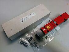 OMRON | STI 44535-0010 SAFETY INTERLOCK SWITCH 230VAC 24VDC  TL4024-10242TM NIB