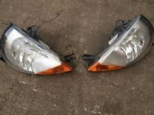 2005 Ford Streetka Sportka Ka   Drivers side (right side)  headlight with bulbs