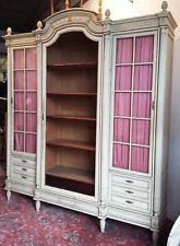 Exceptionnelle bibliothèque Louis XVI en bois laqué et doré