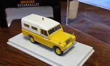 Brekina Starmada 13776 Land Rover 109 _ gelb/weiss_ H3261