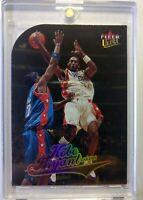 2004 04 Fleer Ultra Kobe Bryant Gold Medallion Die Cut #8, Los Angeles Lakers