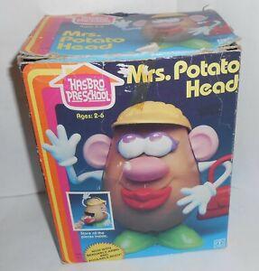 VTG 1983 Hasbro Preschool Mrs Potato Head Figure with Accessories & Box