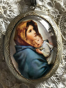 MADONNA OF THE STREETS Glass Dome LOCKET NECKLACE Vintage Virgin Mary Painting