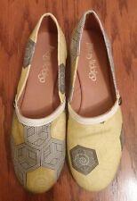 Avivas Hidalgo womens yellow black canvas slip on flats shoes size 7