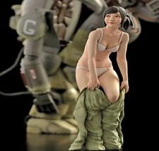 "Unpainted 1/20 Resin Female Figure ""Changing The Clothes"" Model Kit SZR-10010"