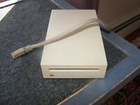 Apple Macintosh 800K external  Floppy Disk Drive Model M0131