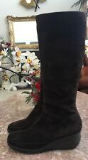 Via Spiga Mid Calf Brown Suede Zip Size 9.5 Boots Made in Italy EUC,Retail $398