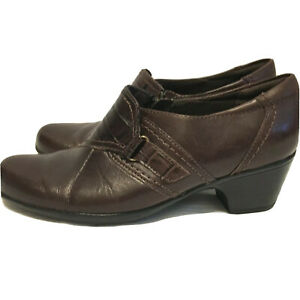 CLARKS Bendables Size 8M Brown Leather Medium High Heel Dress or Casual Shoes
